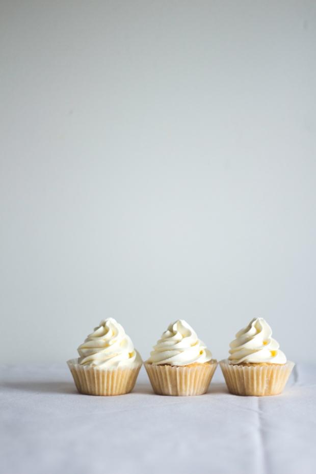 orange cupcakes raspberry coulis14