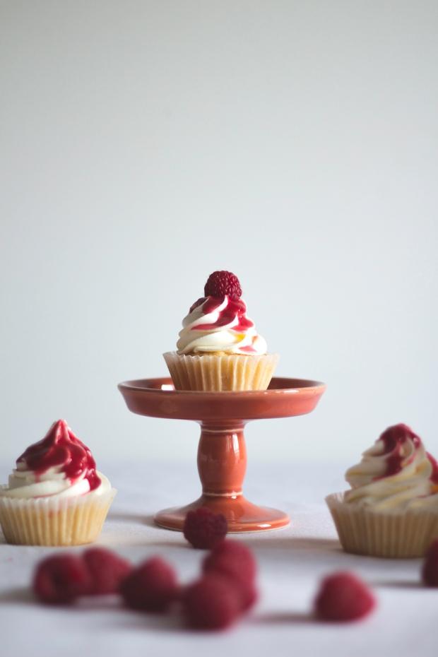 orange cupcakes raspberry coulis7