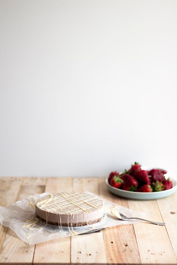raw strawberry cake_10