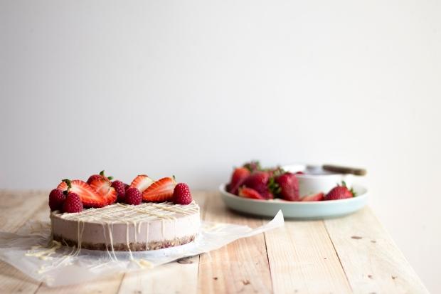 raw strawberry cake_2