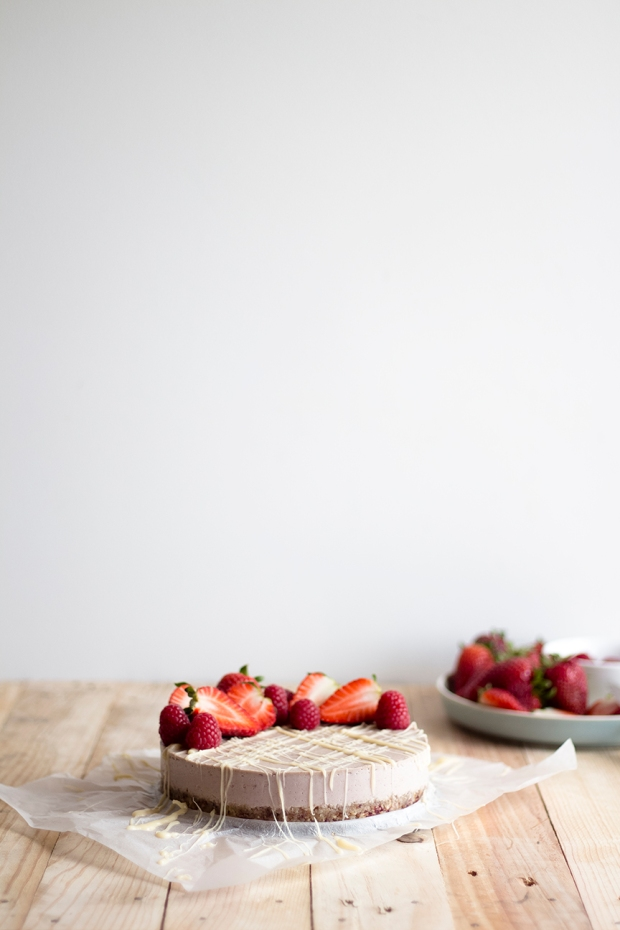 raw strawberry cake_5